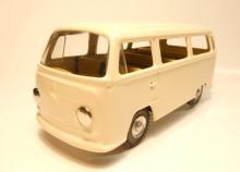 Auto VW mikrobus slonová kost KOVAP 0660