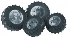 Dvojmontáž pneumatik se stříbrnými ráfky série 2000 BRUDER 02316