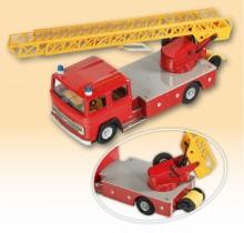 Auto MB hasiči s vysunovacím žebříkem
