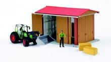 Přístřešek pro zemědělské stroje s traktorem a figurkou