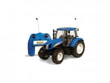 BRITAINS RC Traktor NEW HOLLAND T 6070 na dálkové ovládání
