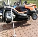 Zvedák zahradních traktorů do 350 kg šroubový